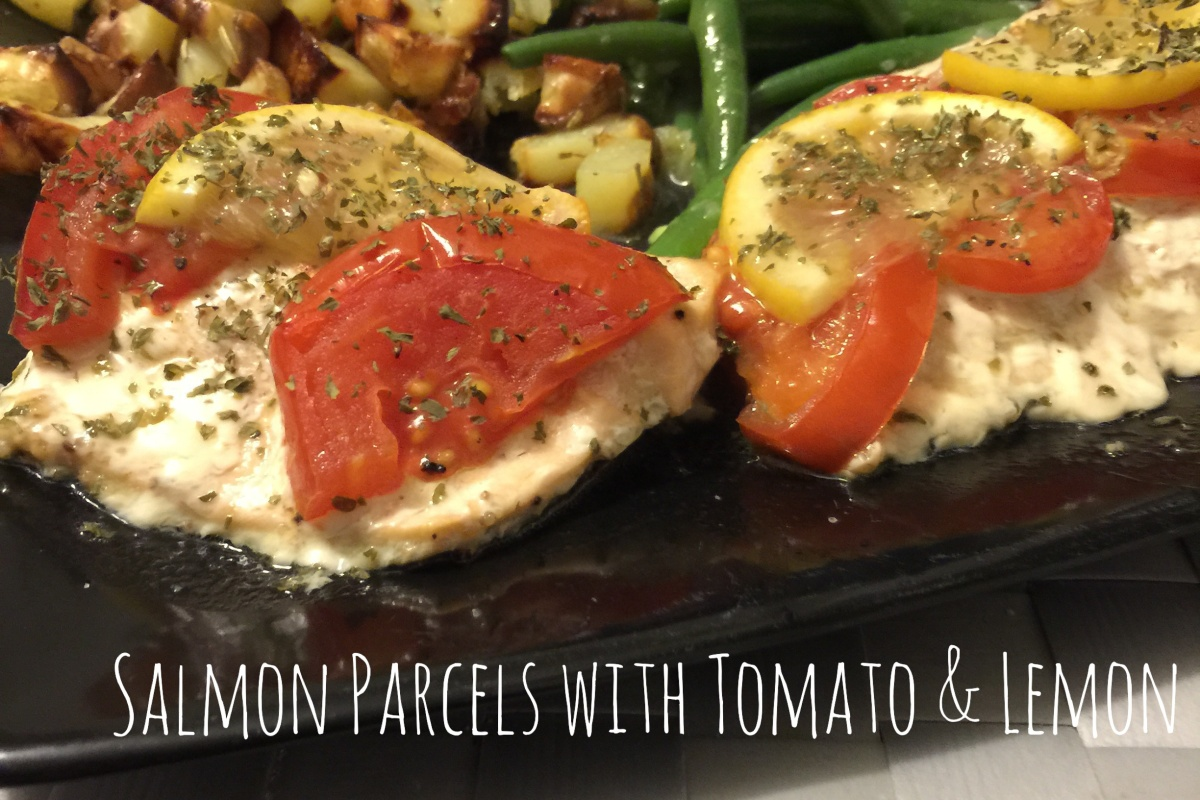Salmon parcels with tomato & lemon